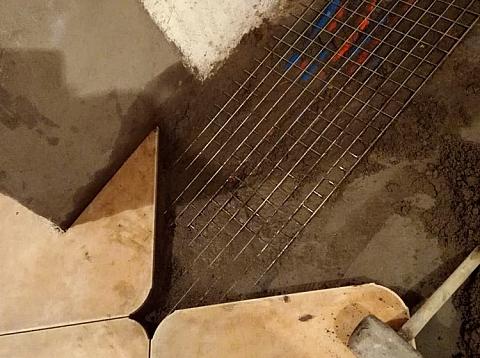 融科九重景-暖气泡沫上铺一层钢丝网解决了业主的担忧