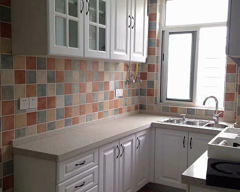 【现场实景】厨房里的砖夹橱柜,使用20年也不会发霉变形
